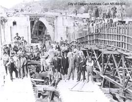 Construction of the Centre Street Bridge