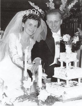 Mandle and Norma Nozick Wedding Photo.