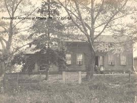 The old Hammond Homestead, Sheridan, Ontario, August 1905, now owned by George Pratt