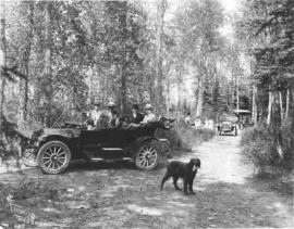 Automobile Club excursion in Gaetz Park