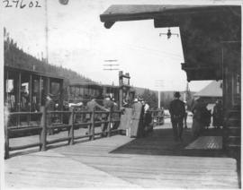 R. R. Station, Lake Louise / 27602