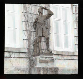 [Statue of laVerendrye]