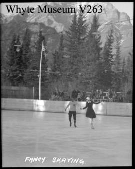Banff Winter Carnival, fancy skating, 1/2 stereo