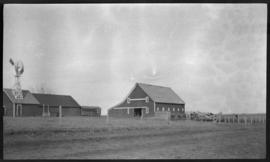 Farm buildings, [Barnes farm, North Dakota?]