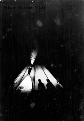 Trip to Columbia Icefield, teepee at night