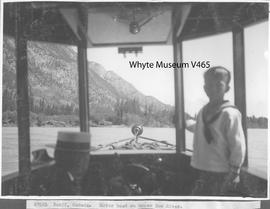 Banff, Canada. Motor boat on upper Bow River / 27051