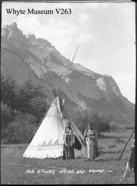 506. Stoney Indian & squaw : [Stoney man and woman]