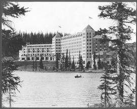Canada. The Rockies. Lake Louise. Chalet Lake Louise, the Canadian Pacific Railway hotel / CN146