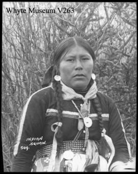 509. Indian squaw : [Indian woman]