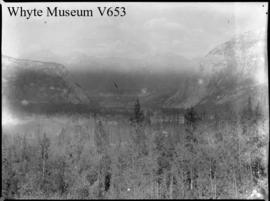 Untitled : [Banff Springs Hotel from Sulphur Mountain]