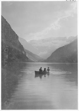 A boating scene on Lake Louise / 27867