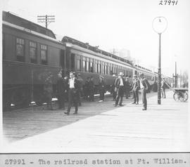 The railroad station at Ft. William / 27991