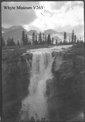 Icefield trip, falls into box canyon, Castleguard Meadows